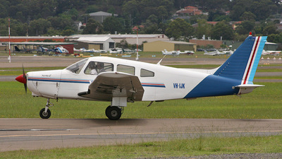 VH-IJK - Piper PA-28-161 Warrior II - Schofields Flying Club