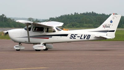 A picture of SELVB - Cessna 172S Skyhawk SP - [172S9249] - © Terry Figg