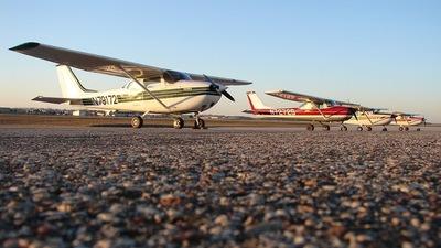 A picture of N79172 - Cessna 172K Skyhawk - [17257934] - © Cory W. Watts