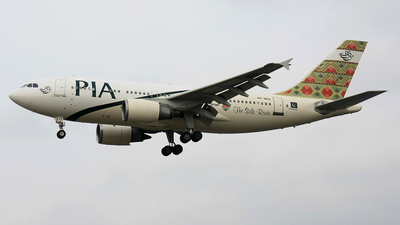 AP-BEG - Airbus A310-308 - Pakistan International Airlines (PIA)