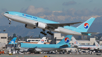 HL7743 - Boeing 777-2B5(ER) - Korean Air