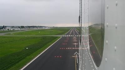 EDLW - Airport - Runway