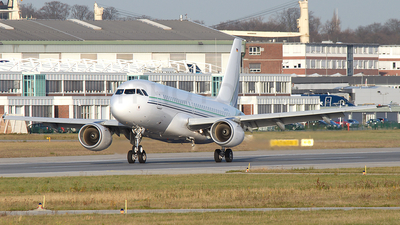 D-AVYR - Airbus A319-115(CJ) - Private