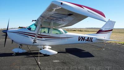 A picture of VHAIL - Cessna 172E Skyhawk - [17250673] - © DaveWilson