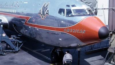 - Boeing 707-123 - American Airlines