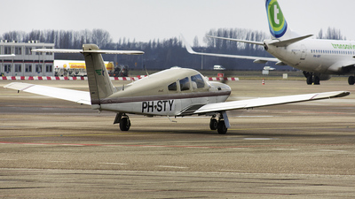 A picture of PHSTY - Piper PA28RT201T - [2831036] - © PlaneCatcher