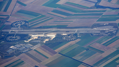 LFOK - Airport - Airport Overview