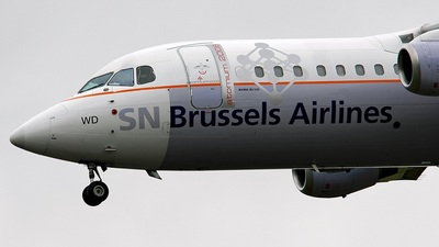 OO-DWD - British Aerospace Avro RJ100 - SN Brussels Airlines