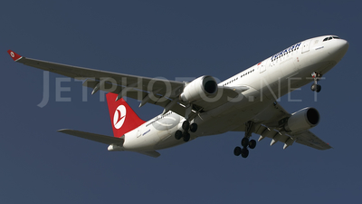 TC-JNG - Airbus A330-203 - Turkish Airlines
