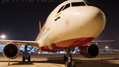 VT-EDE - Airbus A320-214 - Air India