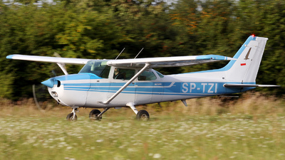 SP-TZI - Cessna 172N Skyhawk II - Private