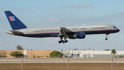 N535UA - Boeing 757-222 - United Airlines