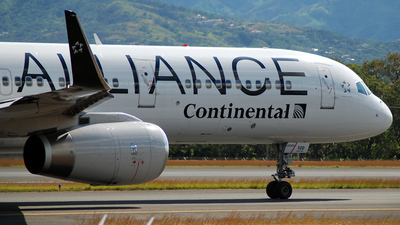 N14120 - Boeing 757-224 - Continental Airlines