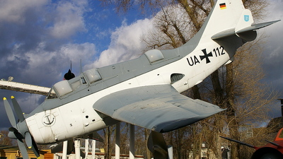 UA-112 - Fairey Gannet AS.4 - Germany - Navy