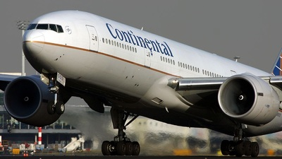 N78003 - Boeing 777-224(ER) - Continental Airlines