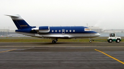 N990AK - Bombardier CL-600-2B16 Challenger 604 - Private