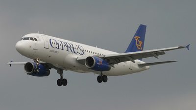 5B-DAV - Airbus A320-231 - Cyprus Airways