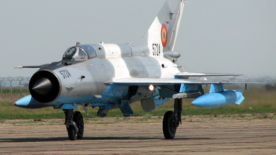 5724 - Mikoyan-Gurevich MiG-21MF Lancer C - Romania - Air Force