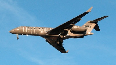 N2T - Bombardier BD-700-1A10 Global Express - Private