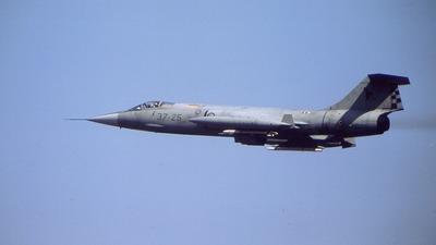 37-25 - Lockheed F-104S ASA-M Starfighter - Italy - Air Force