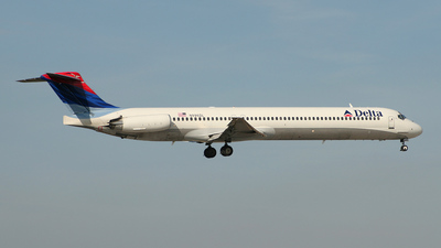 N996DL - McDonnell Douglas MD-88 - Delta Air Lines