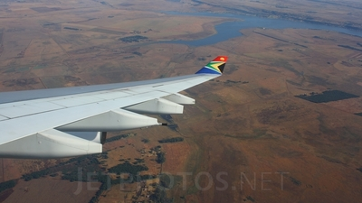 ZS-SLB - Airbus A340-212 - South African Airways