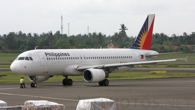 RP-C3228 - Airbus A320-214 - Philippine Airlines