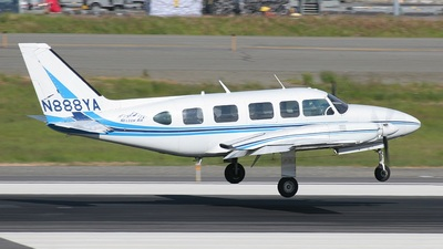 A picture of N888YA - Piper PA31350 - [317305076] - © Mark Abbott