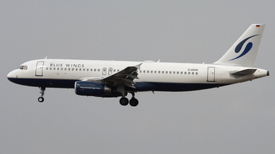 D-ANNI - Airbus A320-232 - Blue Wings