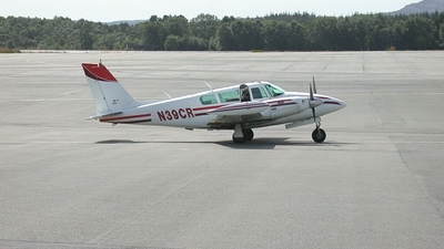 N39CR - Piper PA-39-160 Twin Comanche C/R - Private