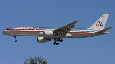 N716TW - Boeing 757-231 - American Airlines