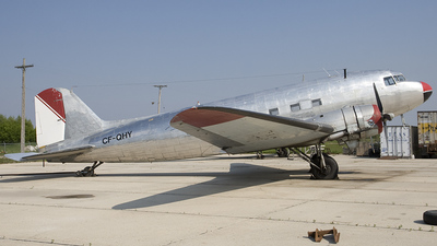 CF-QHY - Douglas DC-3 - Private