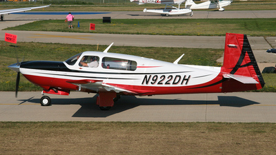 A picture of N922DH - Mooney M20TN - [310037] - © Bruce Leibowitz