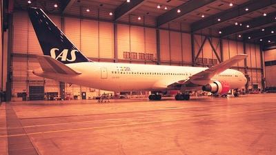 LN-RCF - Boeing 767-383(ER) - Scandinavian Airlines (SAS)