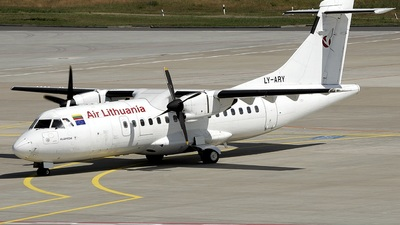 LY-ARY - ATR 42-300 - Air Lithuania