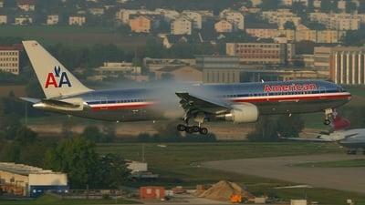 N377AN - Boeing 767-323(ER) - American Airlines