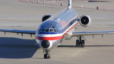 N427AA - McDonnell Douglas MD-82 - American Airlines