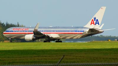N345AN - Boeing 767-323(ER) - American Airlines