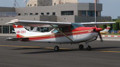 A picture of HBCKV - Cessna TR182 Turbo Skylane RG - [R18200898] - © meir feder
