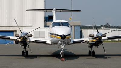D-CADN - Beechcraft B300 King Air 350 - Aero-Dienst