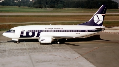 SE-DNK - Boeing 737-59D - LOT Polish Airlines