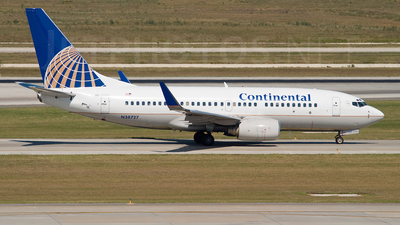 N38727 - Boeing 737-724 - Continental Airlines
