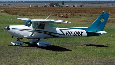A picture of VHUNX - Cessna 152 - [15283130] - © DaveWilson