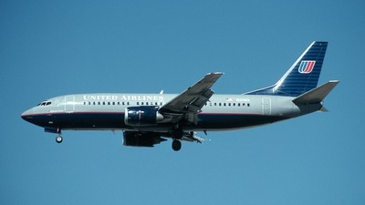 N313UA - Boeing 737-322 - United Airlines
