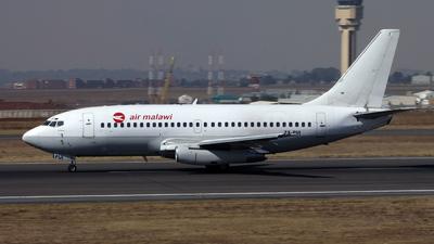 ZS-PUI - Boeing 737-2B7(Adv) - Air Malawi