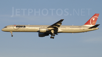 N589NW - Boeing 757-351 - Northwest Airlines