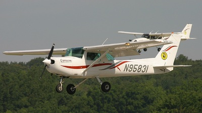N95831 - Cessna 152 - Spartan College of Aeronautics