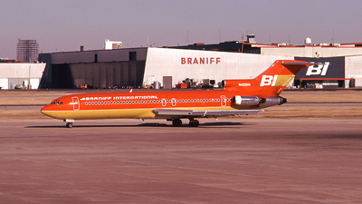 N422BN - Boeing 727-227(Adv) - Braniff International Airways