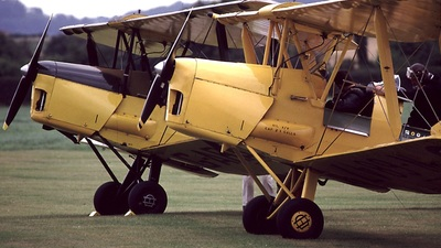 - De Havilland DH-82 Tiger Moth - Private