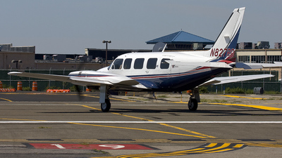 A picture of N827RD - Piper PA31350 - [317652094] - © Joe C
